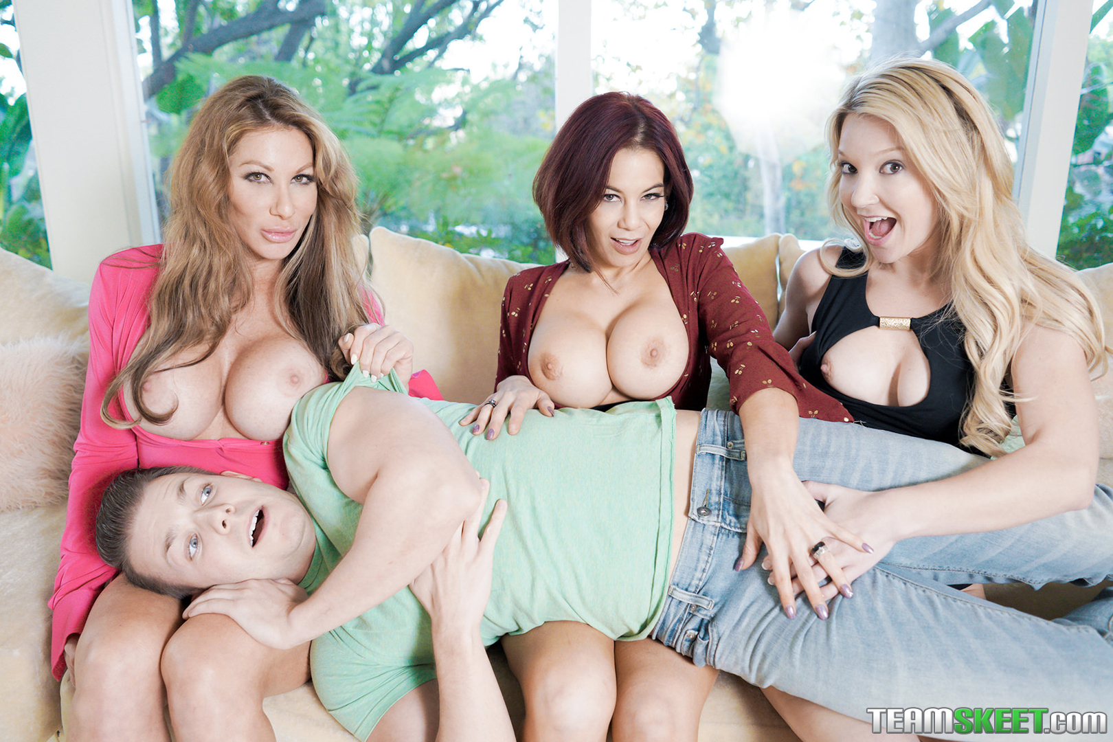Farrah Dahl Laura Bently Ryder Skye In Badmilfs To Punish